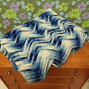 Vintage Blue Mottled Zig Zag Knitted Crochet Wool Blanket / Throw / Bedspread