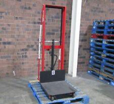 Dayton 1000 lb. Capacity Manual Hydraulic Platform Lift 2Mpt2