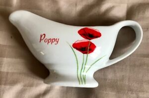 WHITE, RED & GREEN POPPY / POPPIES PATTERN GRAVY BOAT ~ NEW ~ NEVER USED