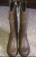 NEW Youth Girls Size 11 Brown Zip Up Boots Bobbie Brooks BRAND