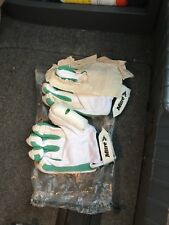 cricket gloves youth