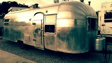 Gorgeous 1952 Airstream Cruiser 25'