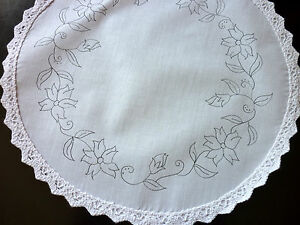 Embroidery freestyle Table Centre to Embroider Fuschia flowers circle CSOO99