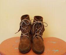 Minnetonka Fringe Boots Women Size 7