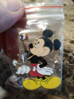2013 Disney Mickey holding Eiffel Tower in right hand Pin