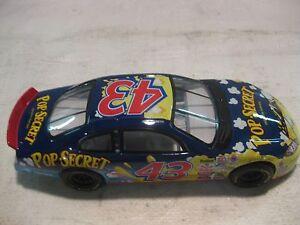 Nascar #43 John Andretti Pop Secret Dodge RT 124 Scale Diecast Mattel 2000 dc681