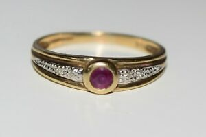 9ct Yellow Gold Small Red Stone Ring