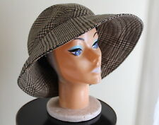 Eric Javits Stylish Tweed Houndstooth Wide Brim Leather Buckle Hat Sz XL 23 In