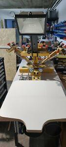 Siebdruckmaschine HDT4200 für Mehrfarb-Siebdruck | Siebdruckkarussell