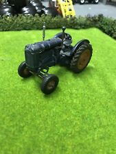 Britains Vintage Fordson Tractor E27N Model No 128F (1/32nd)