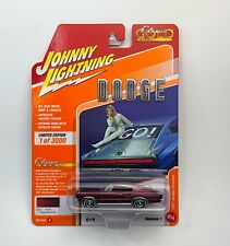 Johnny Lightning 1967 Dodge Charger Classic Gold VS A R1 Limited 1/3000