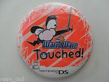 """Nintendo Super Mario Warioware DS 2004 vecchia RARA GRANDE noi PROMO 3"""" TIN pulsante Pin Badge"""