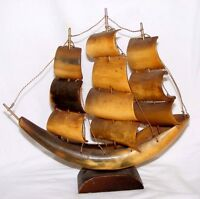 VINTAGE GENUINE COW BOVINE HORN MODEL CLIPPER SAILING SHIP GOOD CONDITION
