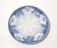 """Porcelain plate """"Jule Аften"""" (""""Christmas eve"""").  Denmark, Bing & Grondahl, 1898"""