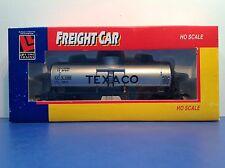 "HO Scale ""Texaco"" TCX 6305 Single Dome Oil Tanker Freight Train Car"
