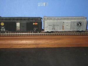"""2 HO """"Old school"""" Tin side 40 ft. Box Car's GN & SP w/ KD's & Sprung trucks C-7"""