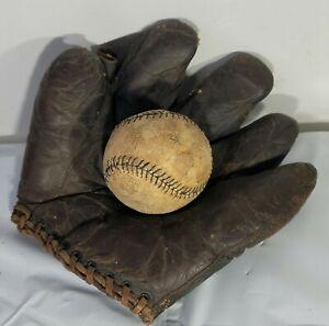 Draper & Maynard D&M Baseball Glove Leather and Black Seam Baseball Circa 1910s
