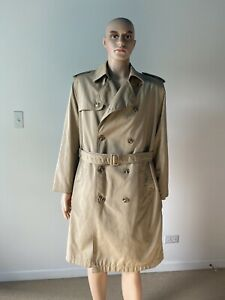 Vintage Classic Beige Trench Coat Belted Removable Faux Fur Lining Men's 40 / M