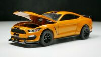 2019 Ford Shelby GT350-R 1/64 Scale Diecast Diorama Real Riders Orange
