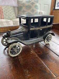 "Vintage 1920s Cast Iron Sedan Ford Auto In Black By Arcade Mfg Co 6 1/2"""