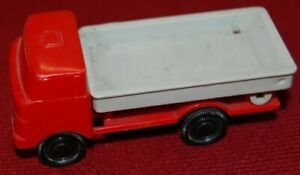1x LKW W50 50/60 Jahre rot/grau + 1 Dumperkipper hat Fehler, Made in GDR