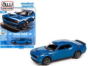 Auto World 1:64 2019 Blue Dodge Challenger R/T Scat Pack Diecast Model AWSP061B