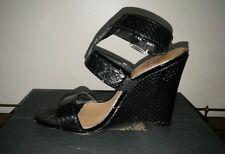 Badgley Mischka Snakeskin Wedge Sandals Size 8
