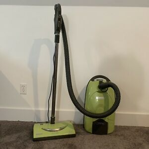 Kenmore Bagged Canister 116 Vacuum Cleaner Lime Green  Model 26212