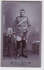 78055 Kabinett Foto Karabinier Borna mit Helm und Säbel um 1915