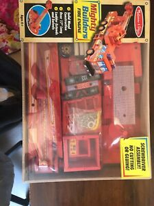 *NEW IN BOX* Melissa & Doug Deluxe Wooden Mighty Builders Red Fire Truck *RARE*