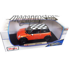 Maisto Mini Cooper 1:18 Diecast Model Car Orange