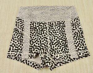 LULULEMON LIBERTY Womens Sz 4 Cheetah Leopard Animal Print Athletic Yoga Shorts