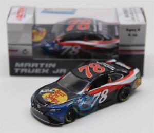 Lionel Racing Martin Truex Jr 2018 Bass Pro Shop/5-Hour Energy Patriotic 1:64