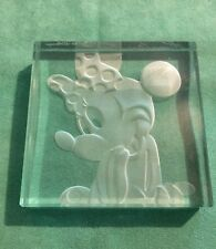 Minnie Mouse Disney 9/1000 R Guenther Luna 1995 Laser Etching Glass Paperweight