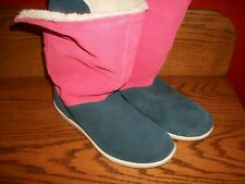 """CROCS Boots ADELA FOLD OVER FUZZ SHEARLING SUEDE  FLAT """" BLUE RED"""" Sz 8 NICE"""