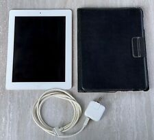 Apple iPad 3rd Gen. 32GB, Wi-Fi, 9.7in - White + Accessories - Case and Charger