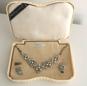 Vintage Hollywood Jewellery Set with Box *Flaw Necklace earrings