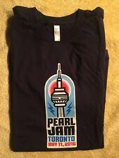 Pearl Jam Toronto t-shirt Size XL May 11, 2016 Concert