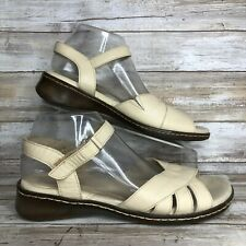 Maravilla 9.5EE Ivory Leather Strappy Casual Sandals Comfort Wedge Heel Womens
