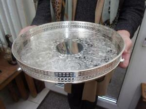 PRETTY BARKER ELLIS CIRCULAR SILVER PLATED TRAY VERY ORNATE GALLERY ON BUN FEET