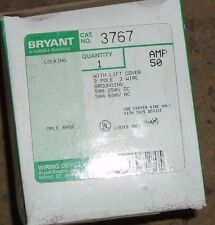 BRYANT 3767 WITH LIFT COVER 2 POLE 3 WIRE GRND
