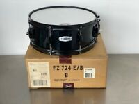 "Pearl Forum FZ Snare Drum 6-ply poplar 14 X 5-1/2"" 8 Lug Jet Black #31 NEW!"