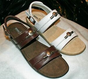 Minnetonka Silverthorne Leather Adjustable Strap Sling Backs - Brown/White NEW!