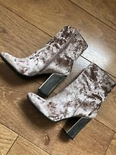 GUESS LEXILEE Womens Boots Shoes Size UK 6 Pink Velvet Stud Block Heeled Vgc