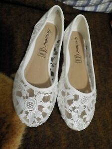 NEW Ladies White Lacey Wedding Shoes, Flats, Size 9,Greaton u,Leather Insole