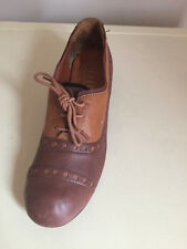 WOMEN'S OFFICE HEELED LEATHER BROGUES, SIZE EUR 39