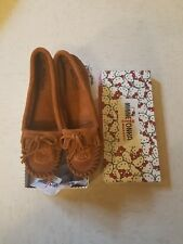 Minnetonka x Hello Kitty Brown Moccasin Shoes Sz 9 New Suede Limited Edition