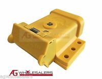 YELLOW ANDERSON PLUG MOUNTING KIT 50A  MOUNT COVER DUST CAP EXTERNAL TRAILER