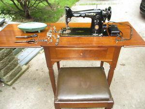 SINGER 201 sewing  machine CENTENNIAL 1951 accessories/cabinet/bench Canada RARE