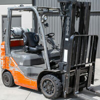 Toyota Nissan yale Universal Replacement all Forklift Bucket Seat with Seat Belt